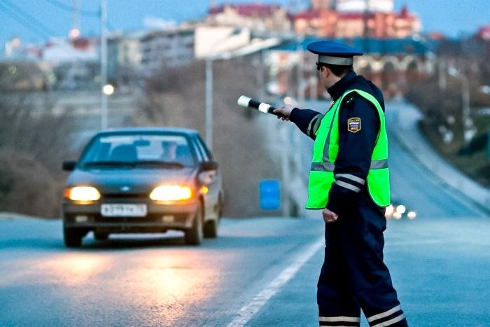Теперь сотрудники ГИБДД будут останавливать водителей-должников
