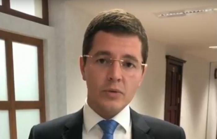 Дмитрий Артюхов ответил в «Инстаграме» на пять вопросов от жителей Ямала