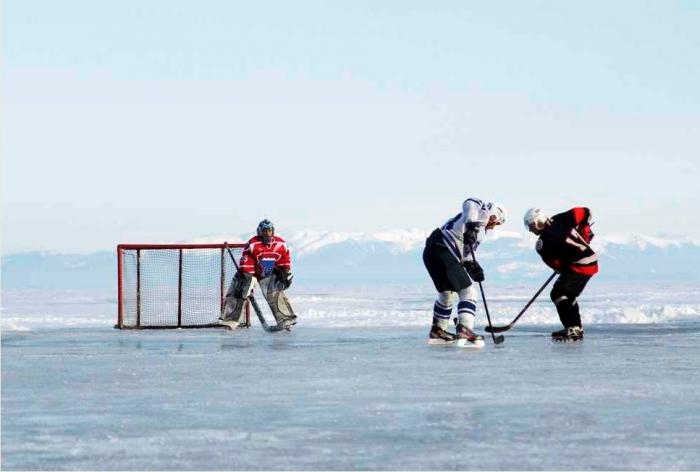 На арктической льдине в хоккей сыграют папа Римский и Генсек ООН