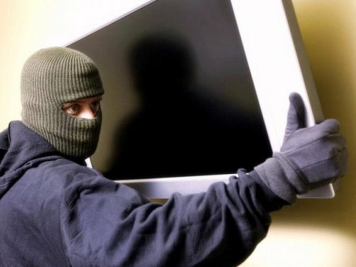 Житель Ямала стал свидетелем того, как его дом пытаются ограбить