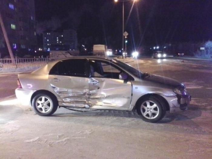 В Новом Уренгое местный житель был госпитализирован, пострадав в жёстком ДТП