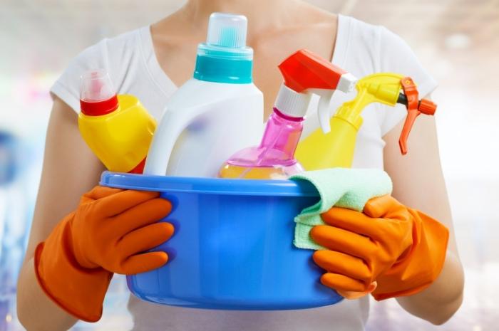 Ученые: частое использование бытовой химии провоцирует  ожирение у детей