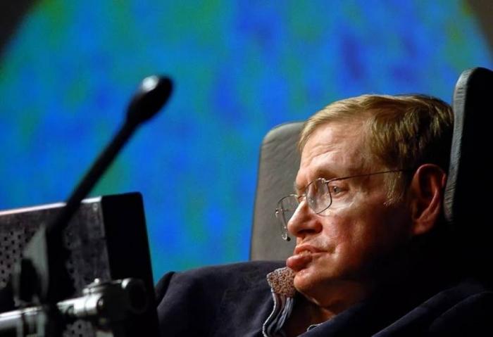 В возрасте 76 лет скончался всемирно известный физик-теоретик Стивен Хокинг
