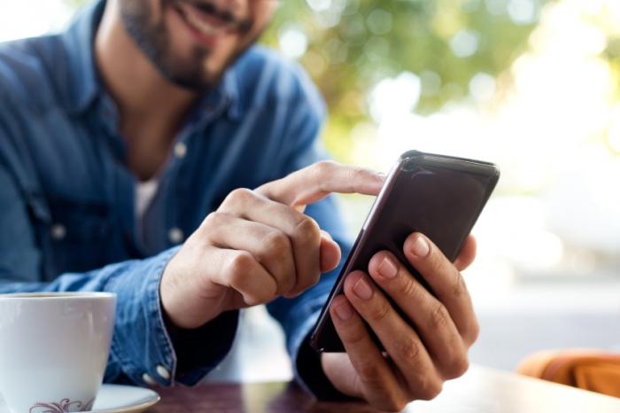 Эксперты выяснили, чем опасны мобильные приложения для онлайн-знакомств