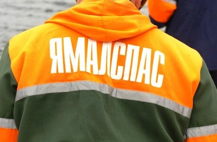 В Ноябрьске спасатели эвакуировали из леса женщину, у которой отказали ноги