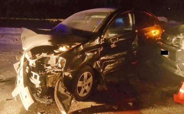 В Ноябрьске произошло ДТП с участием сразу трех автомобилей