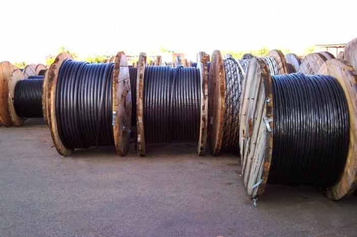 Безработный украл с ямальского склада кабель на 200 тысяч рублей и продал по дешевке