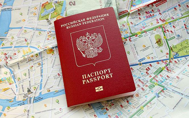 Совет Федерации одобрил закон о сокращении срока выдачи загранпаспортов