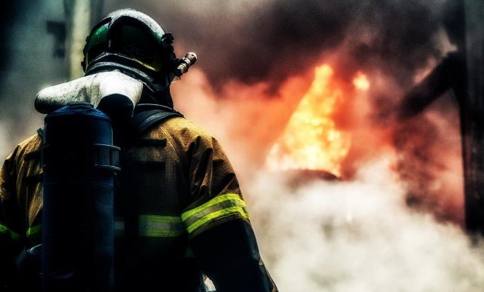 Правила пожарной безопасности для жителей деревянных домов и балков