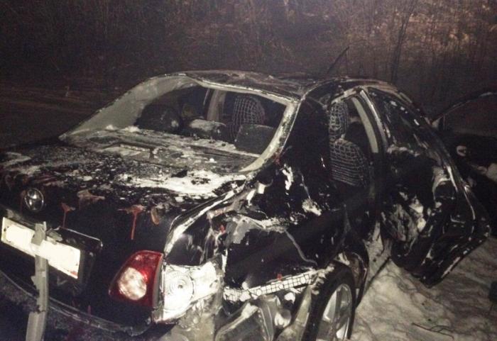 В Ноябрьске автомобиль занесло в кювет, водитель госпитализирован
