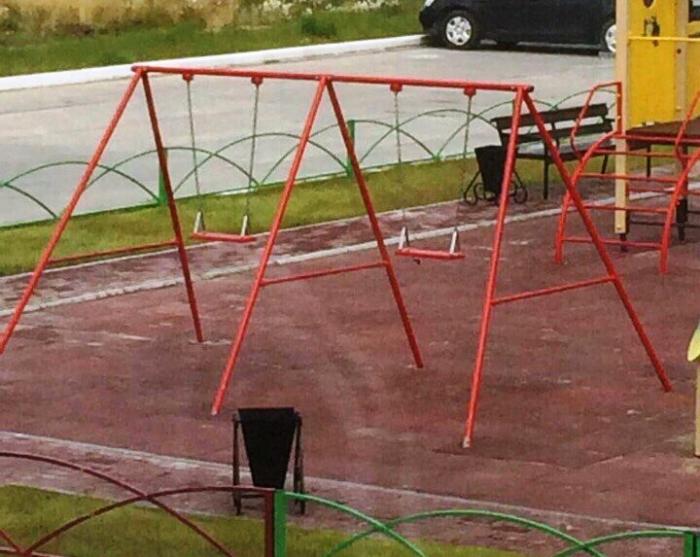 Качели для детей-баскетболистов изобрели в поселке Тазовский
