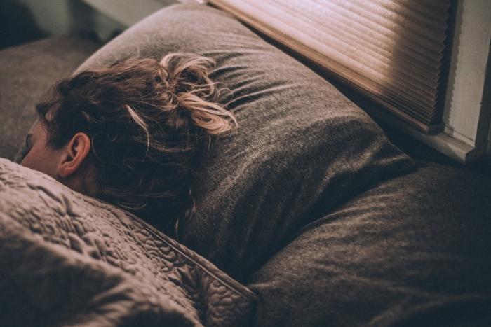 Освещение во время сна беременной женщины повышает риск поведенческих проблем ребенка