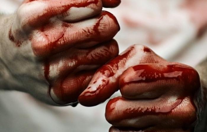 В Тарко-Сале мужчина до смерти забил приютившего его хозяина квартиры