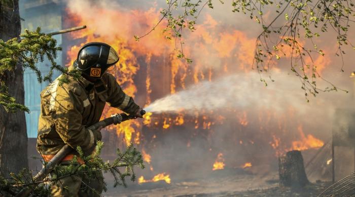 В Тарко-Сале при пожаре в жилом доме погиб мужчина