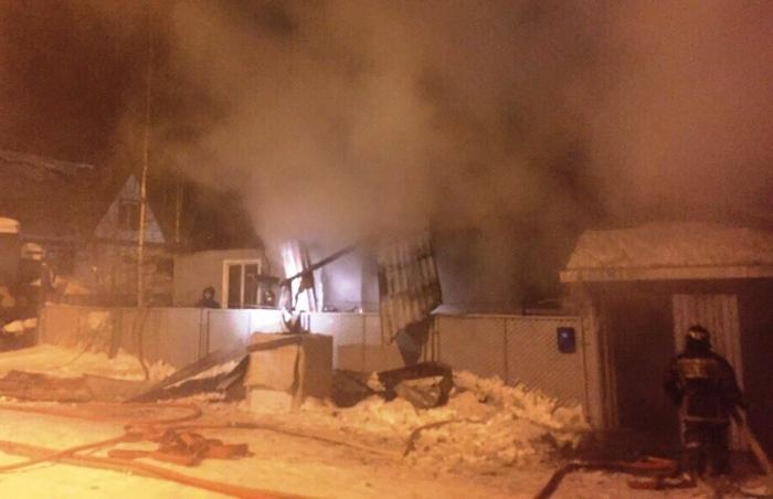 Ямальцы собирают помощь для семьи с двумя маленькими детьми, пострадавшей от пожара