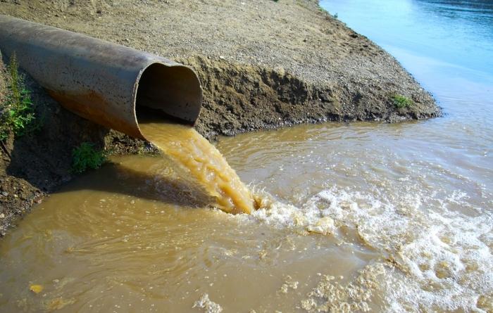 Ямальская организация незаконно сливала грязные стоки в водоем