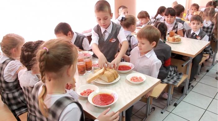 Школьников переводят на платное питание? В Тазовском районе мотивируют это тем, что дети отказываются от невкусной и бесплатной еды