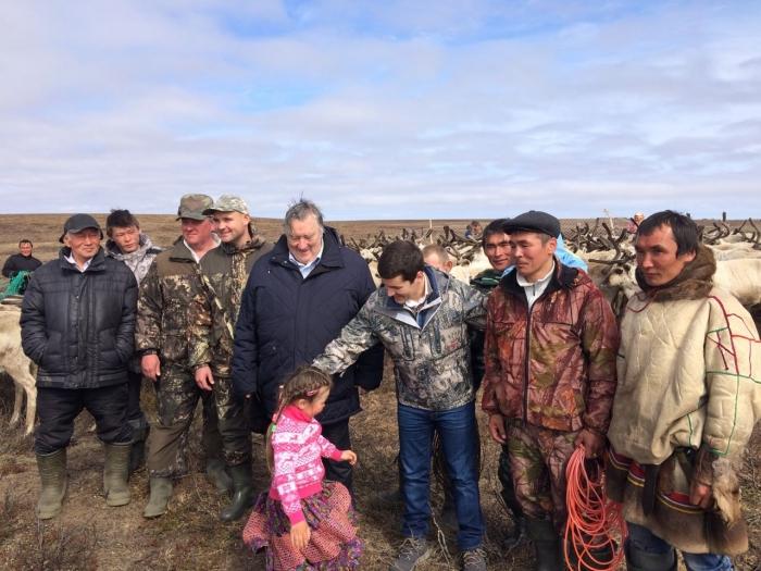 Александр Проханов и Дмитрий Артюхов посетили стойбище в Ямальском районе