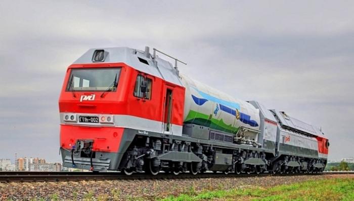 На Ямале испытали первый серийный российский локомотив, работающий на СПГ