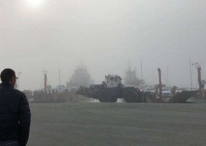 Туман, накрывший окружную столицу, внес коррективы в работу транспорта